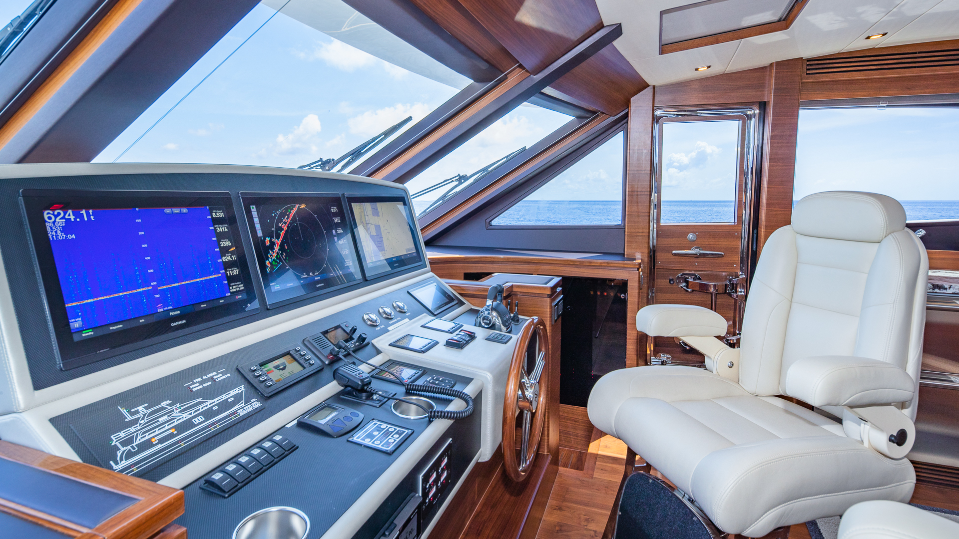 yacht helm station navigation