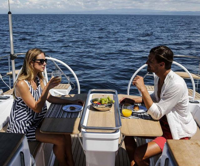 Cruising World Reviews The Elan Yachts Impression 45