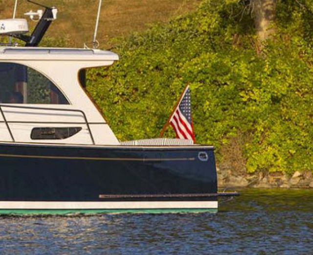 Power & Motor Yacht Test The Legacy 36