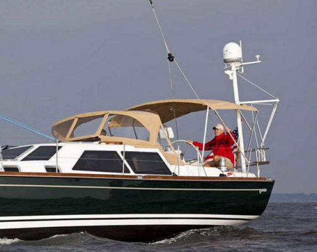 Cruising World Magazine Review The Tartan 4700