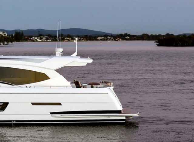 TradeABoat.com Reviews The Whitehaven 6000 Coupe