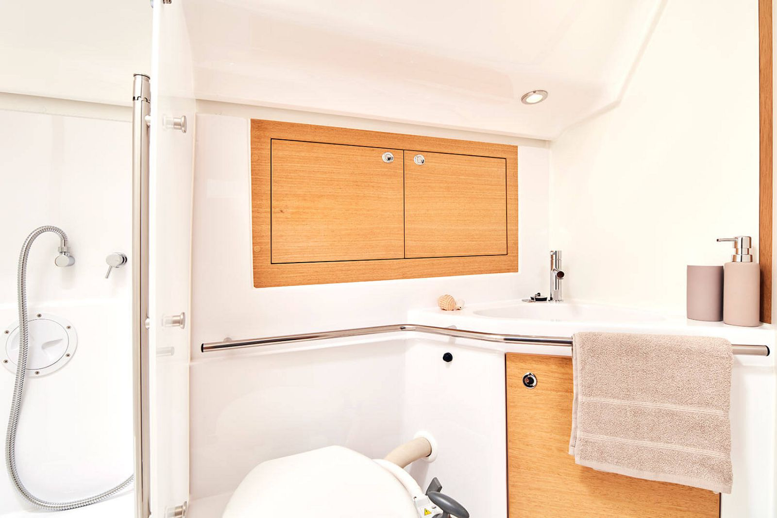 bathroom cabinet on the elan 45.1