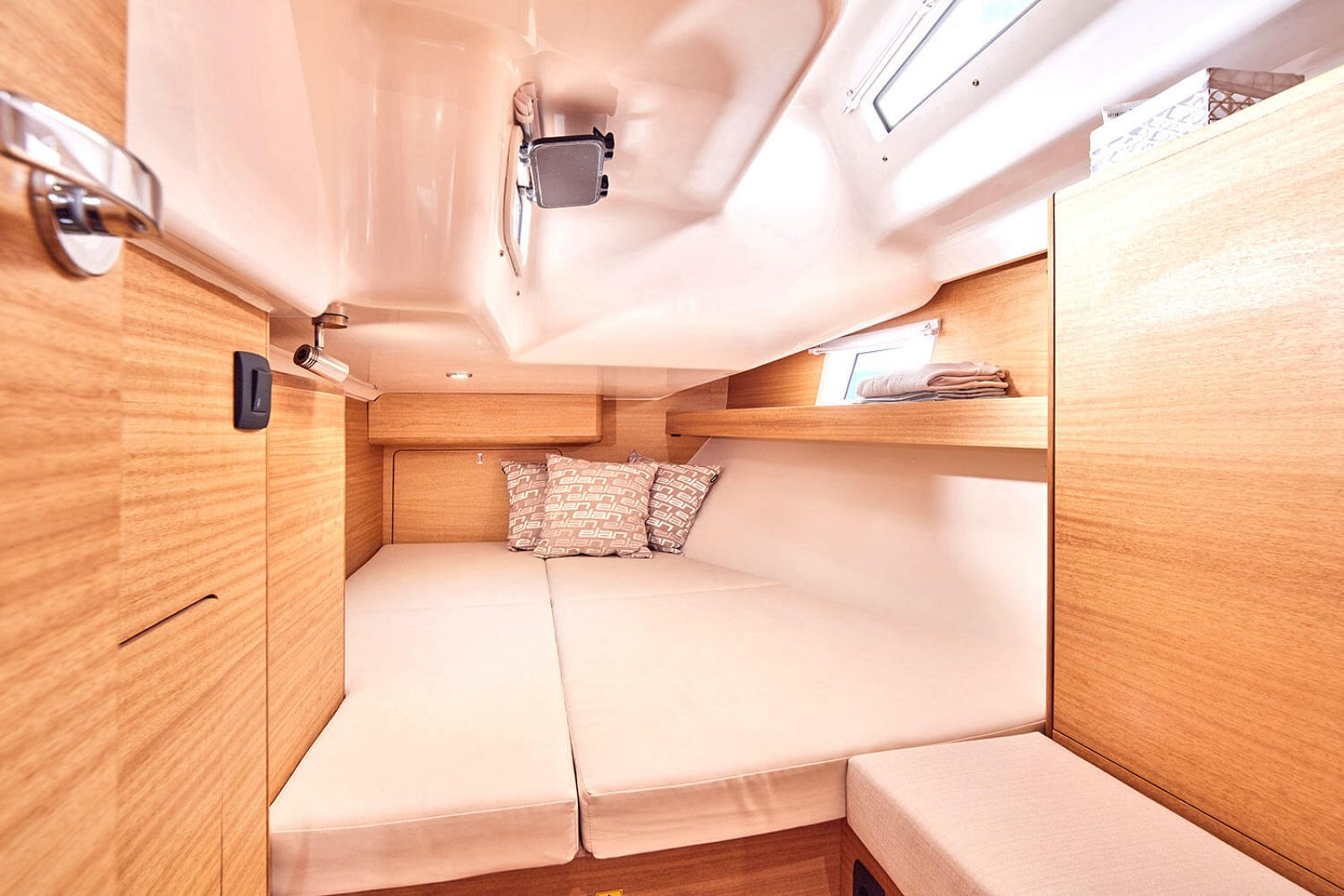 cabin on the elan yachts impression 45.1