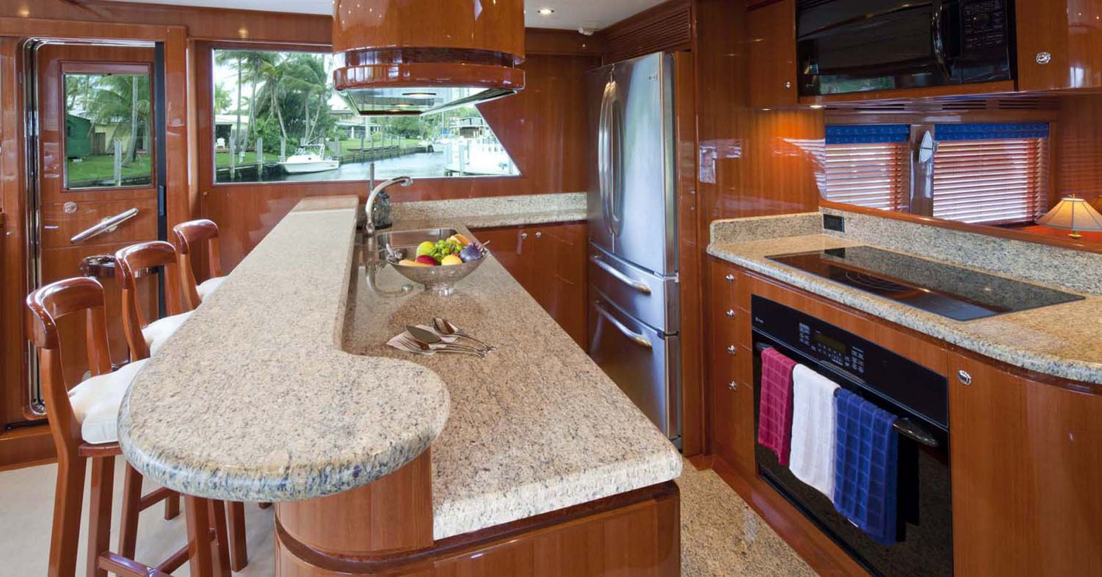 Galley on the Hampton Endurance 680