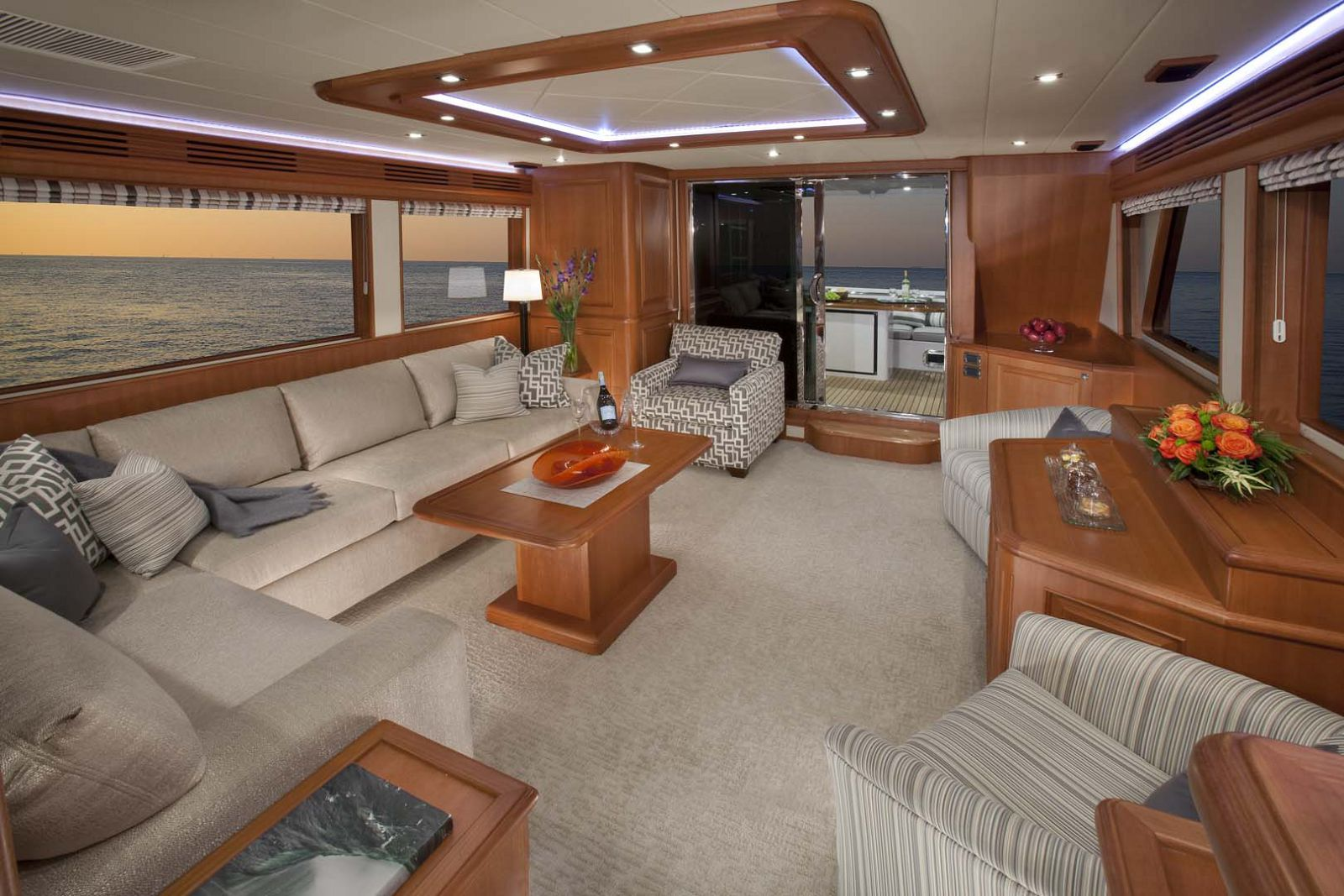 Salon interior endurance 658