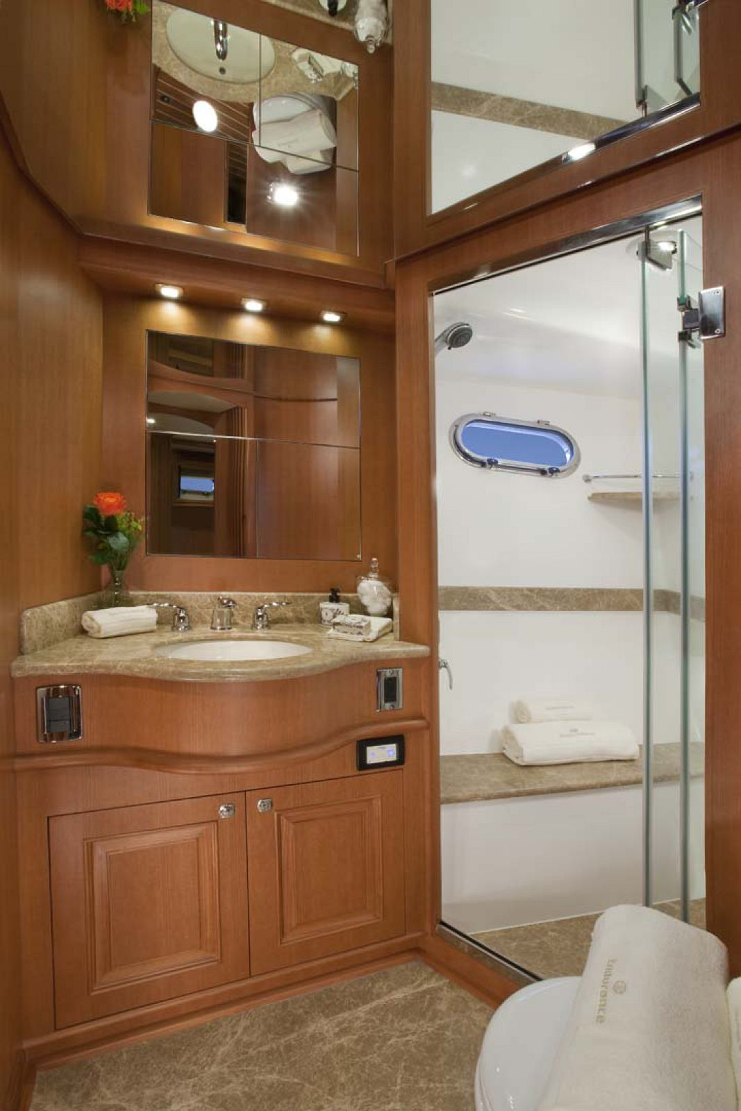 Bathroom on endurance 658
