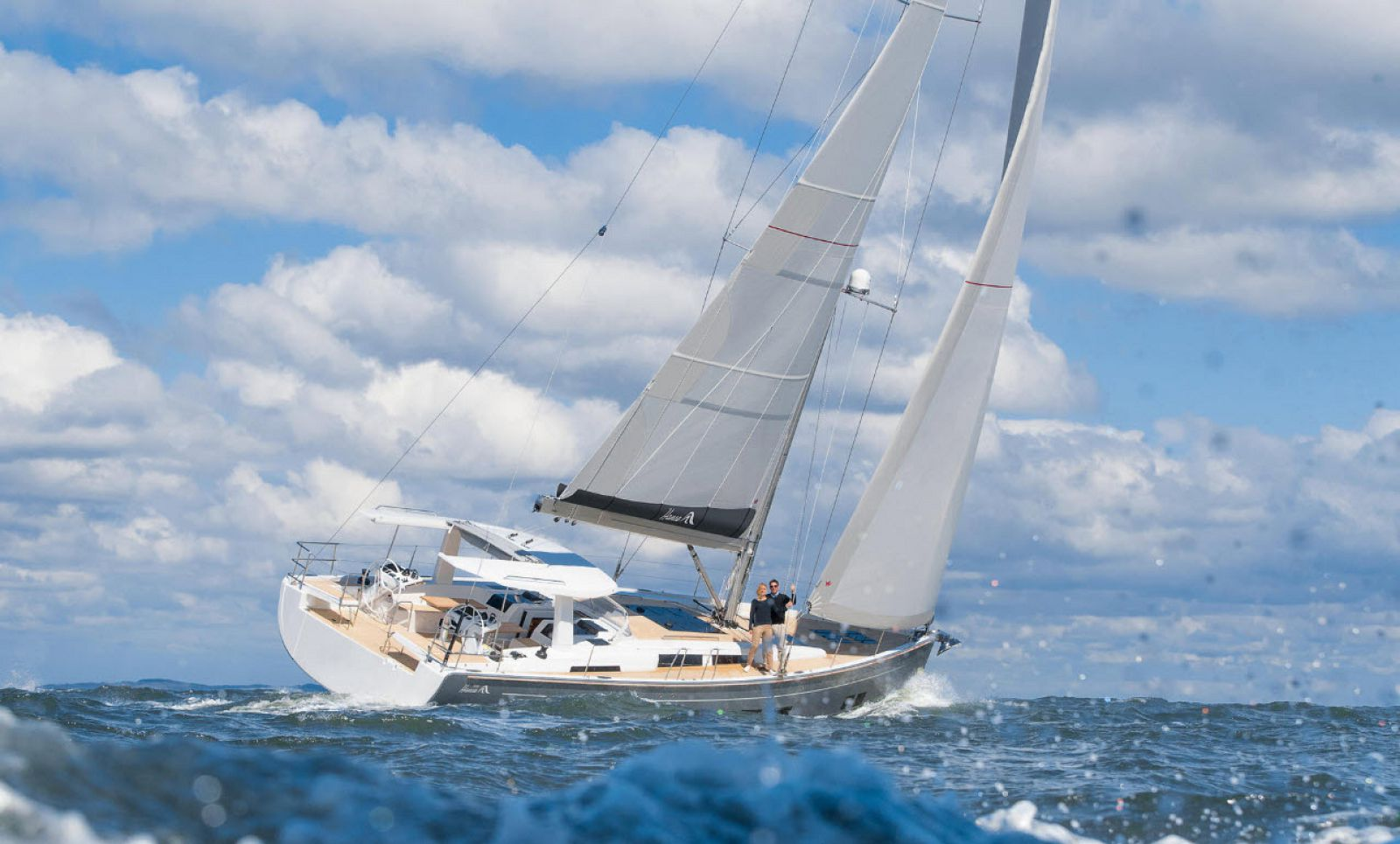 Cruising on Hanse 588