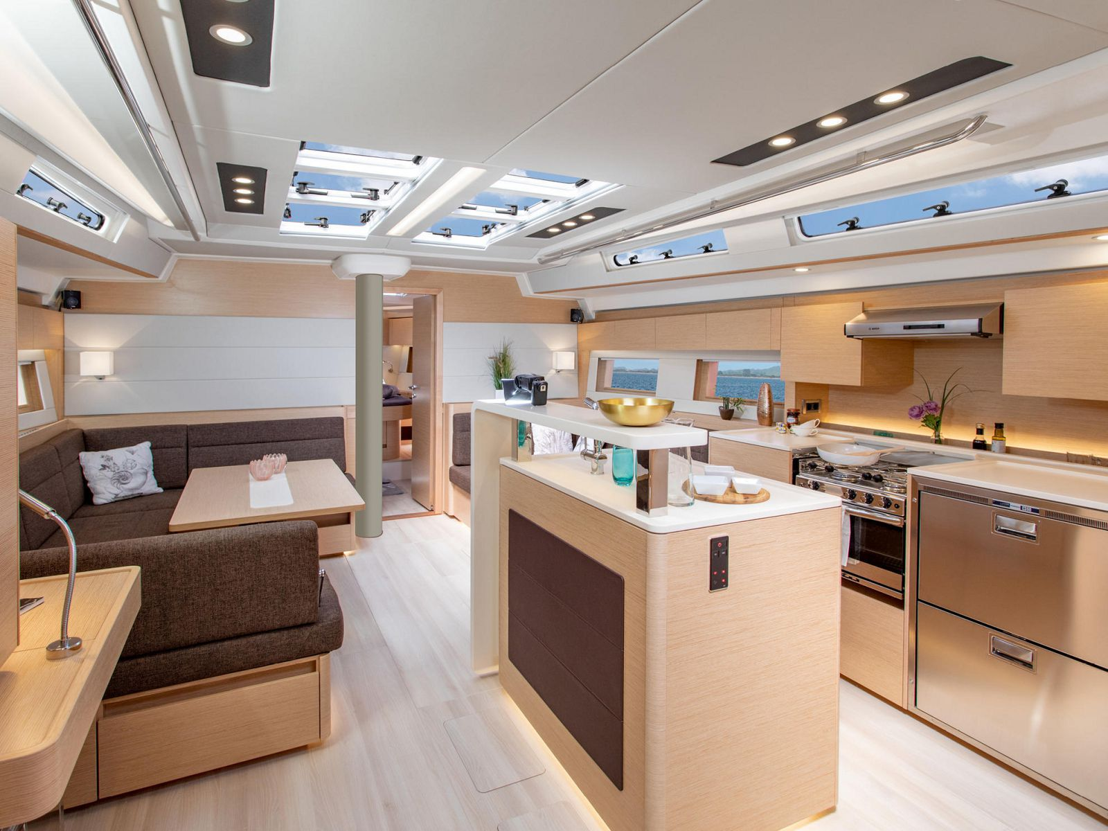 Full galley on Hanse 588