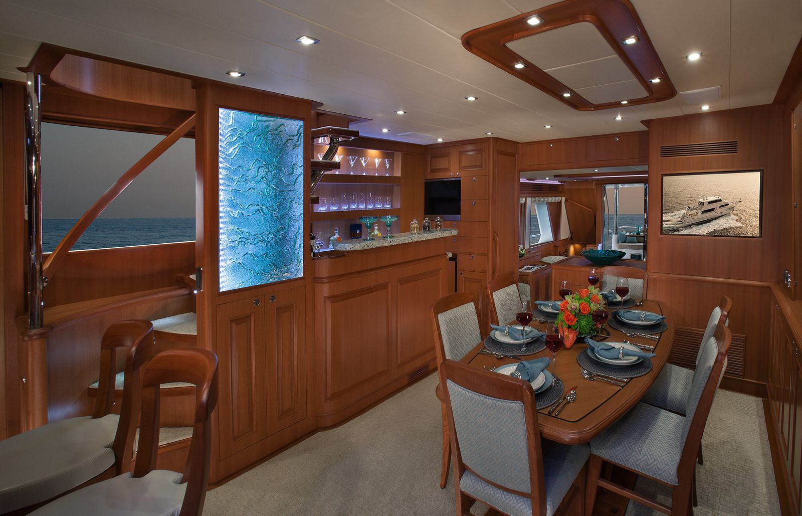 Dining Area - Endurance 720