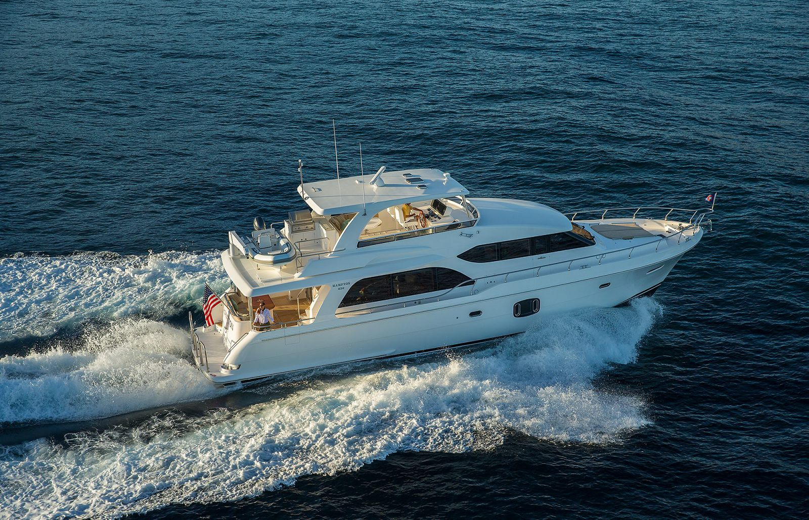 Exterior Profile - Hampton 650