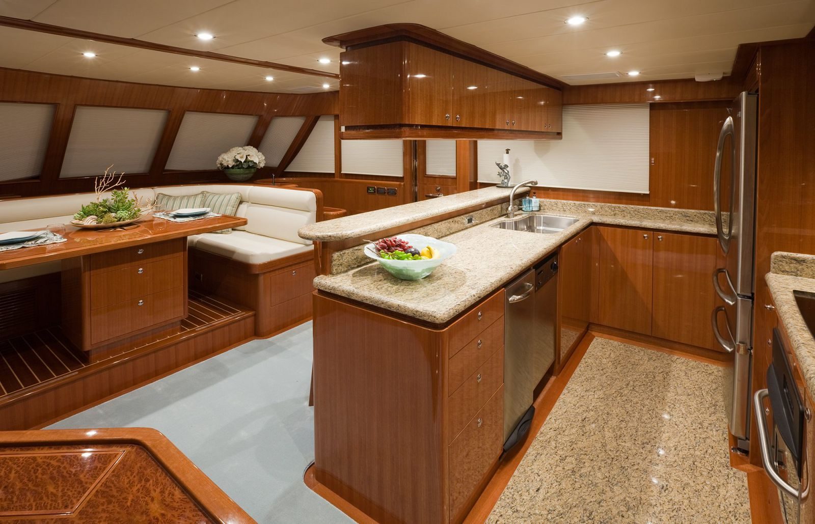 Galley - Endurance 600 Yacht