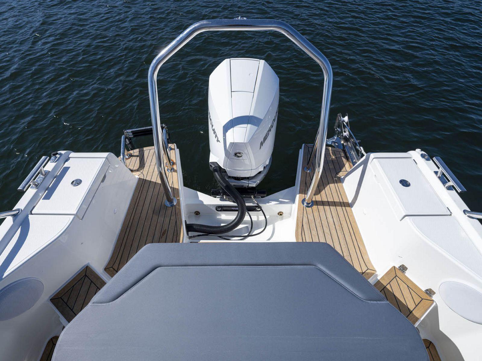 mercury verado outboard engine