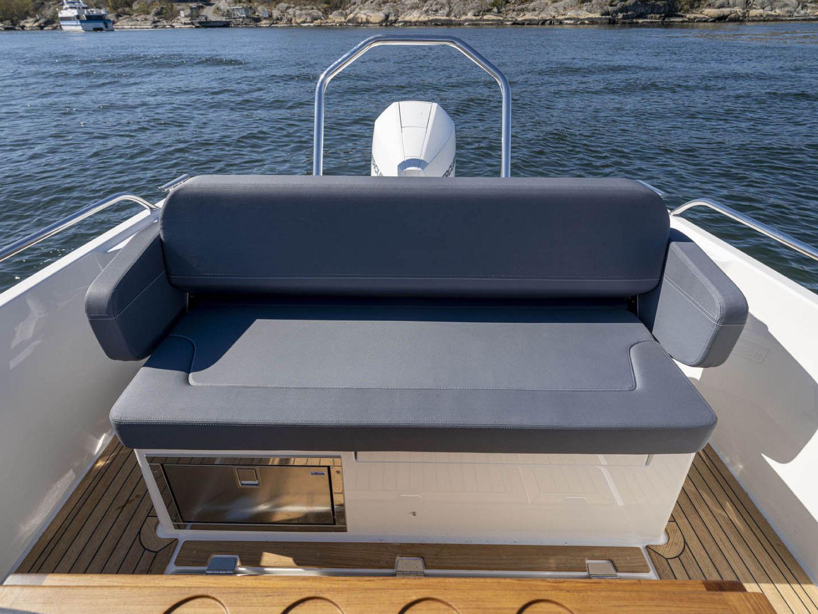 Nimbus T8 extra seat