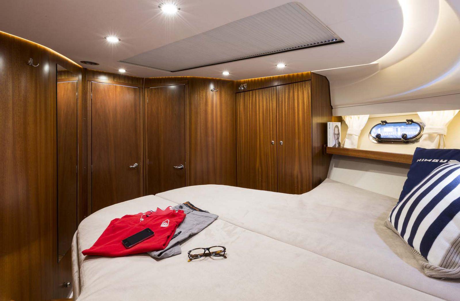 Nimbus-Boats-405-Coupe-stateroom