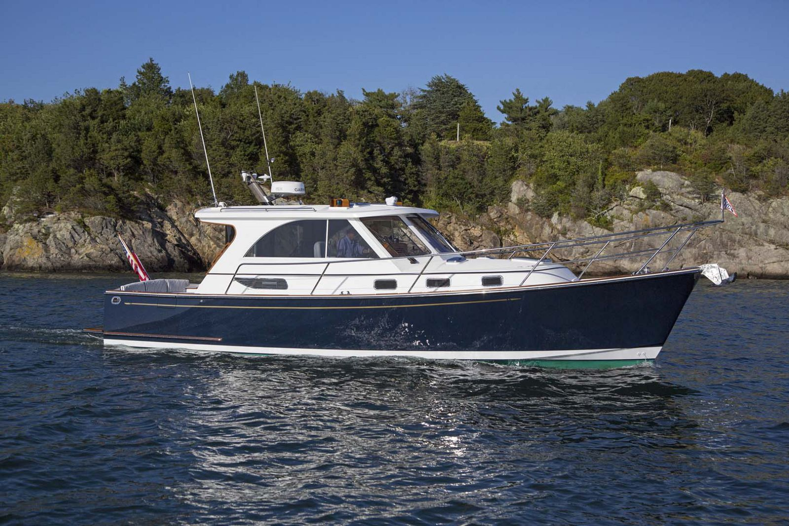 Legacy-Yachts-36-Downeast-Profile-5