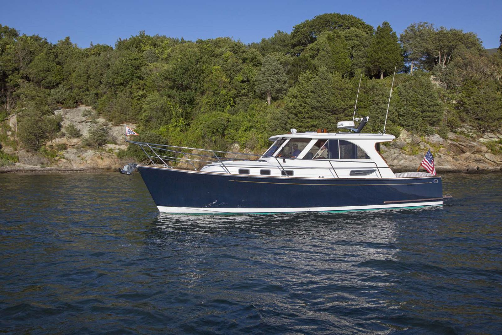 Legacy-Yachts-36-Downeast-PRofile-3