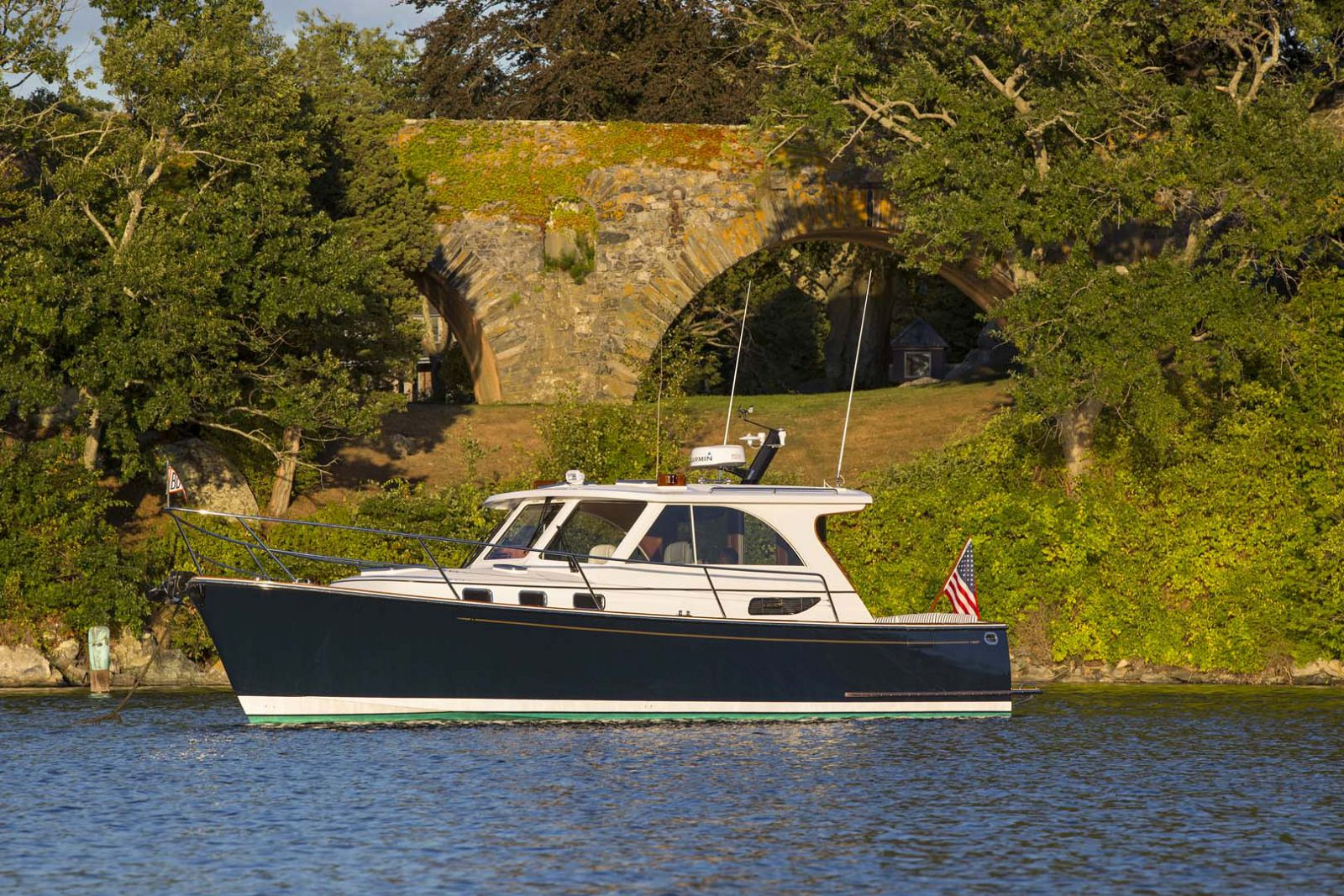 Legacy-Yachts-36-Downeast-Profile
