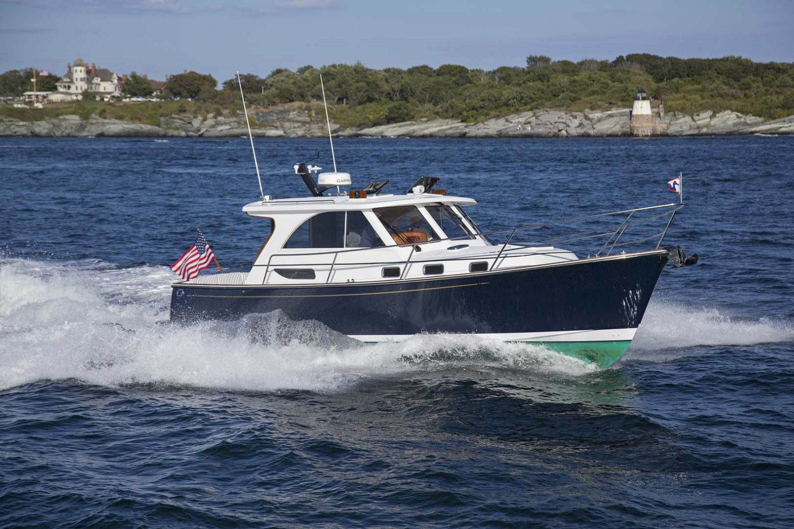 Legacy-Yachts-36-Downeast-Running