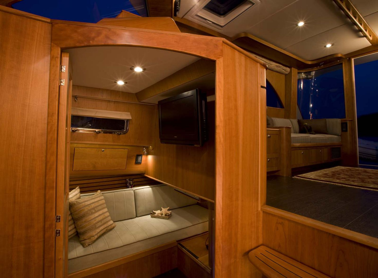 Legacy-Yachts-42-Downeast-interior