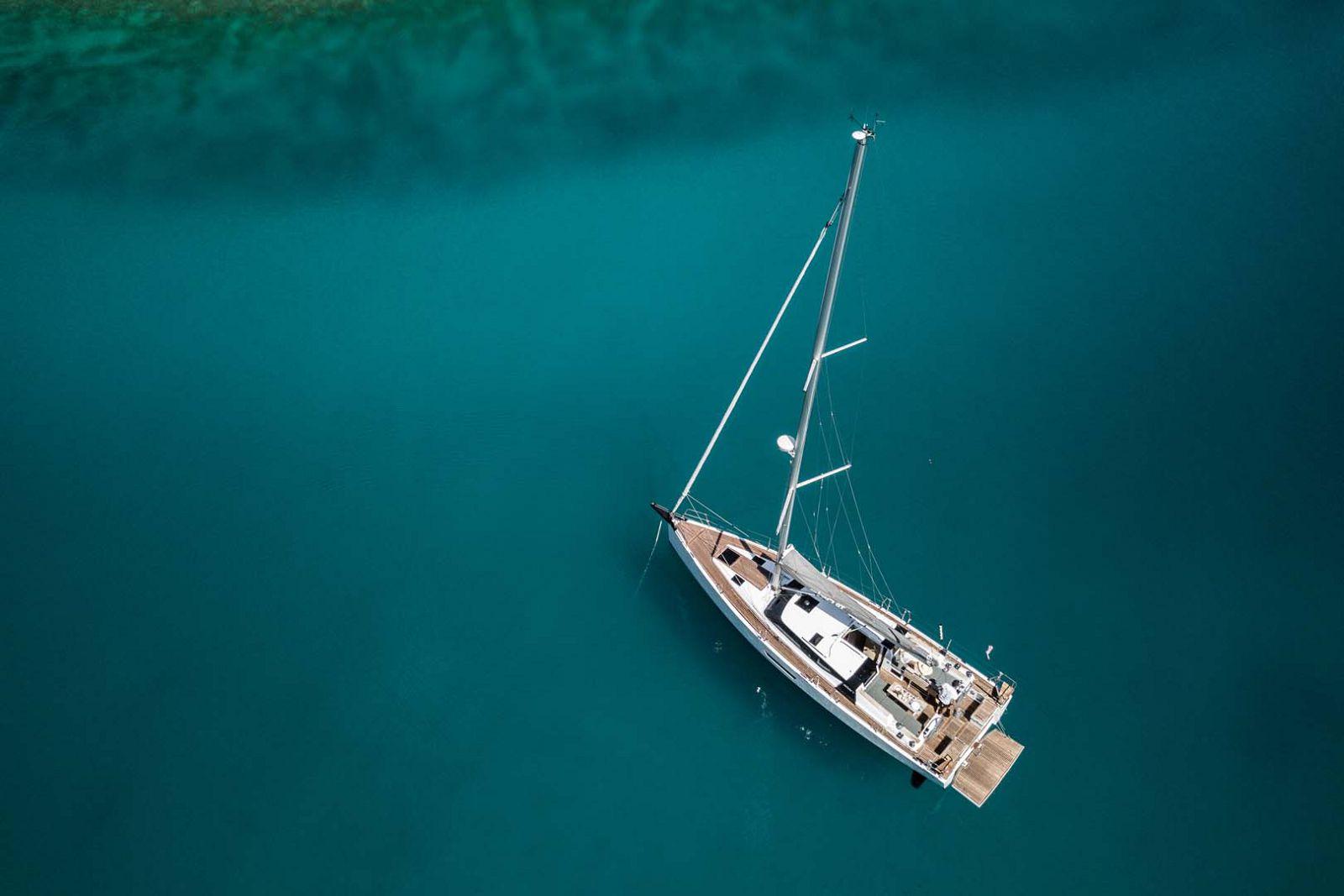 Elan-Yachts-GT5-Sailboat-Mast