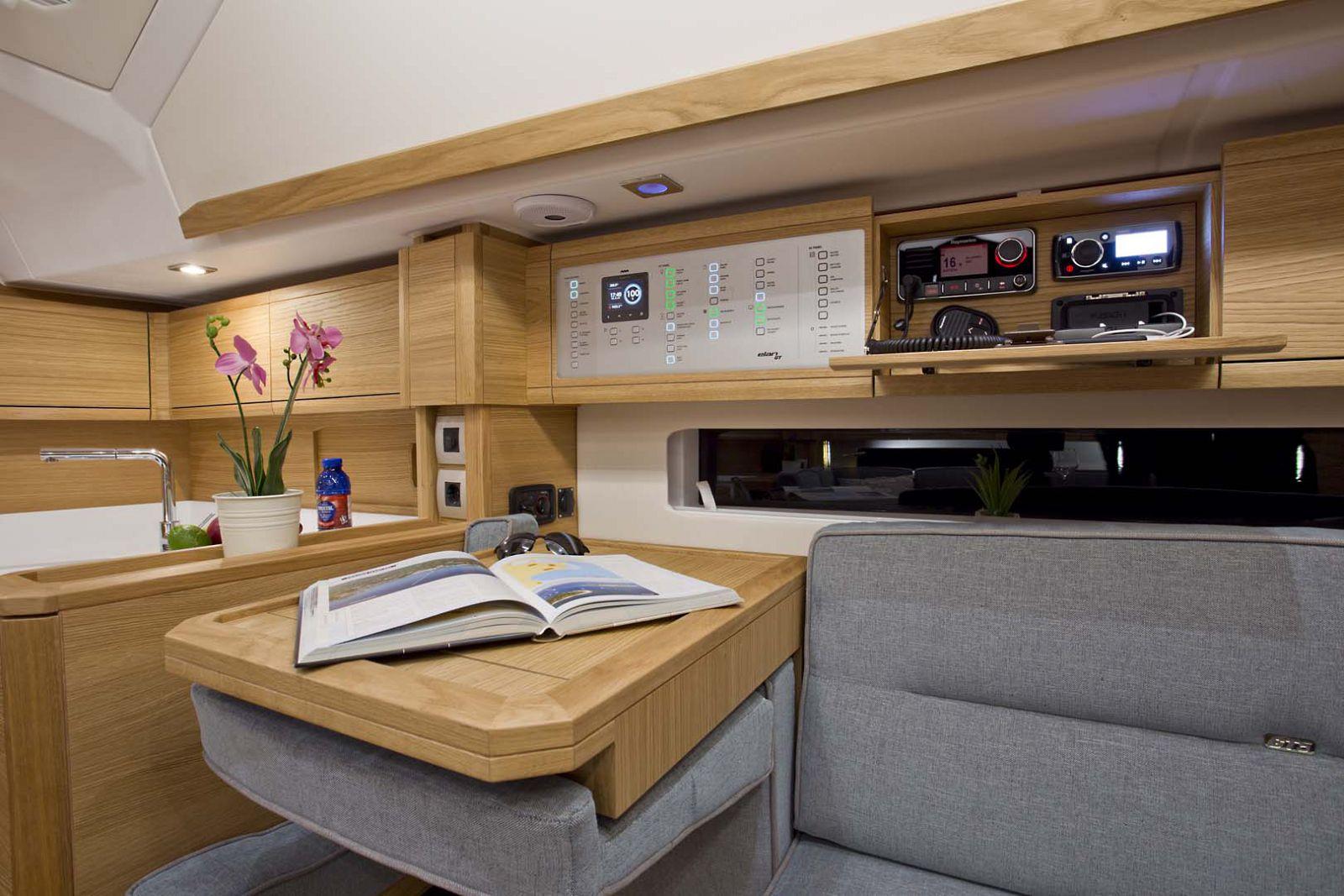 Elan-Yachts-GT5-Sailboat-galley