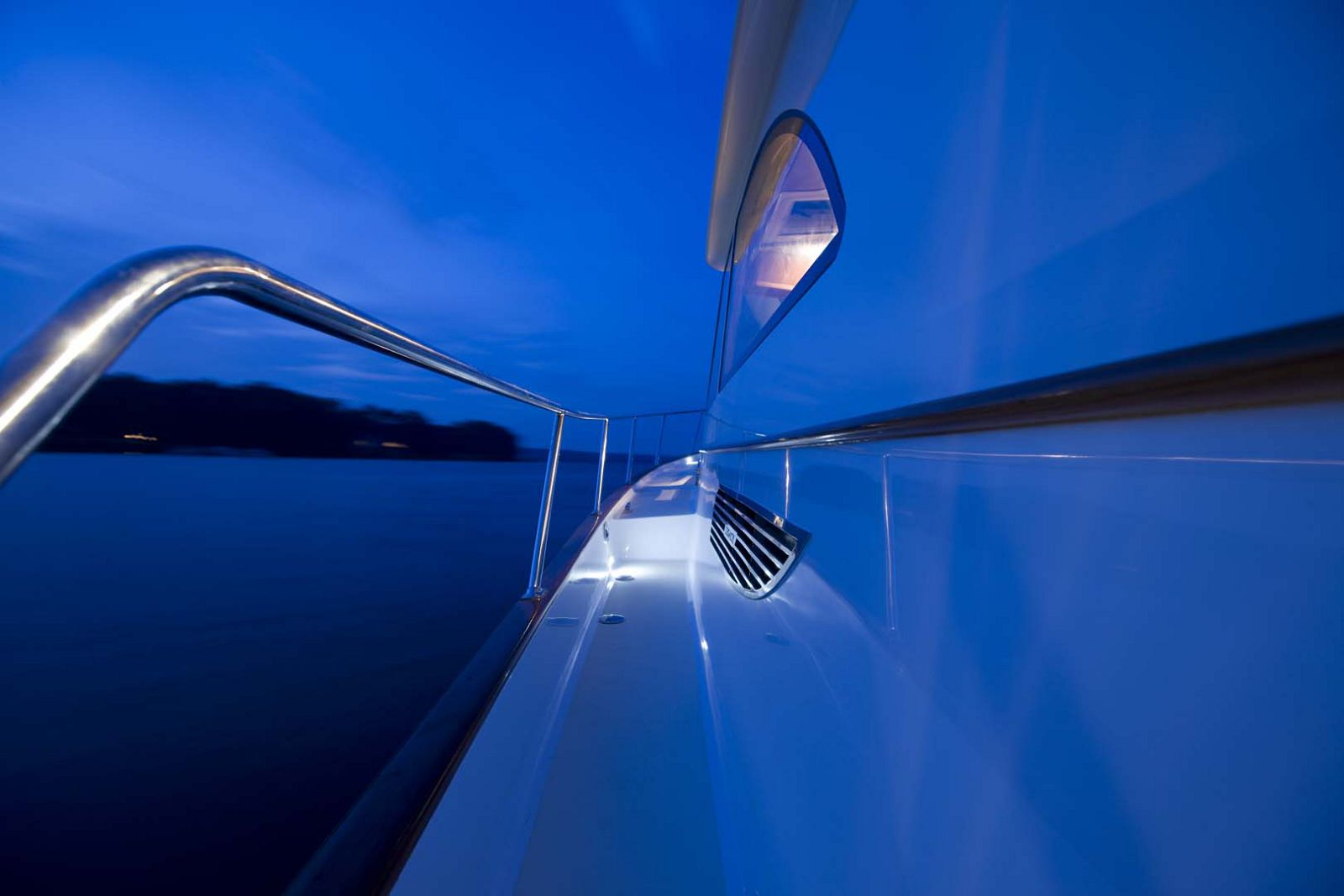 Legacy-Yachts-42-Downeast-side