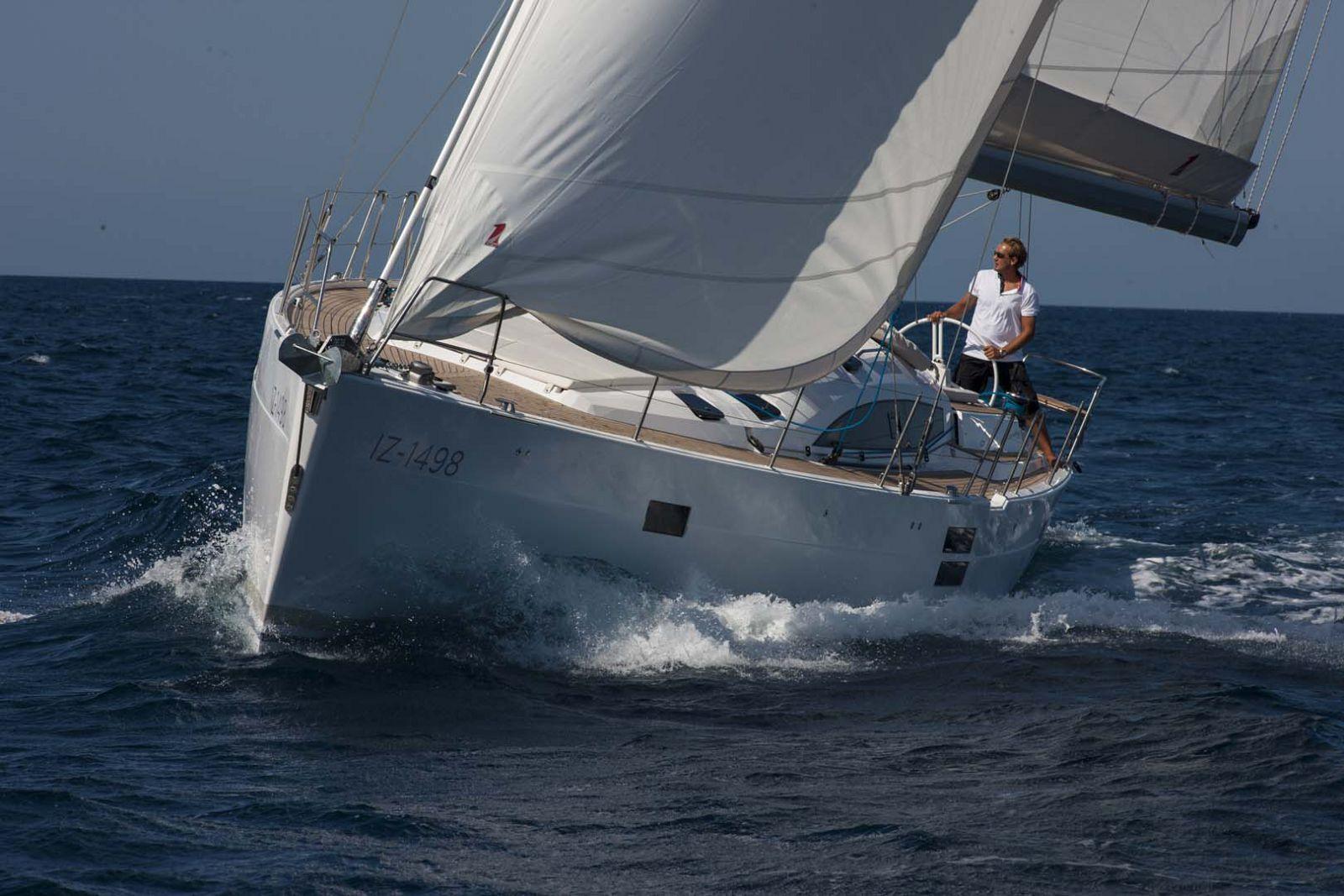 Elan-Yachts-Impression-50-Running-2