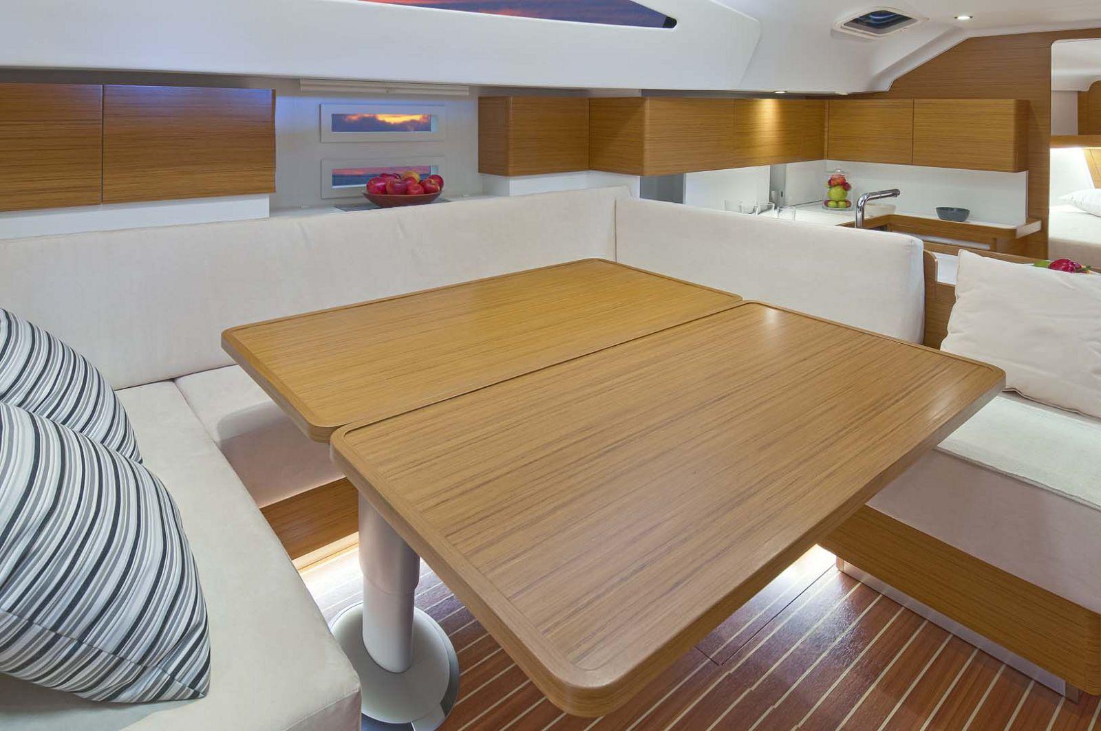 Elan-Yachts-Impression-50-Table