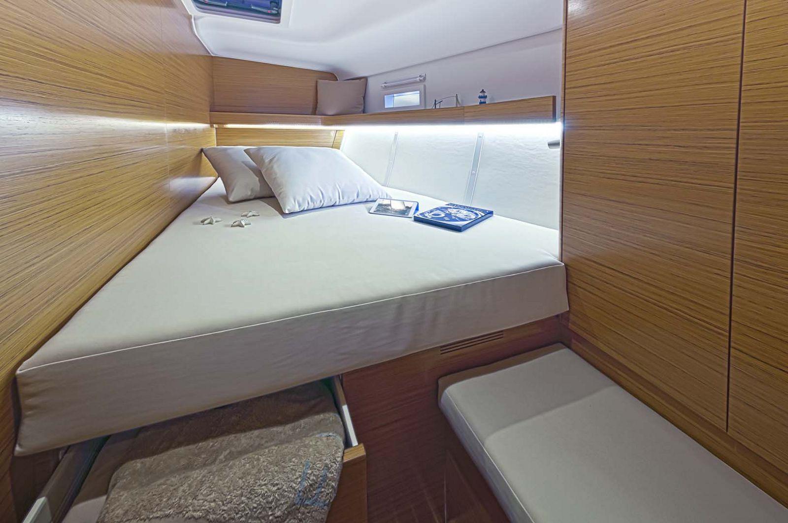 Elan-Yachts-Impression-50-Bedroom
