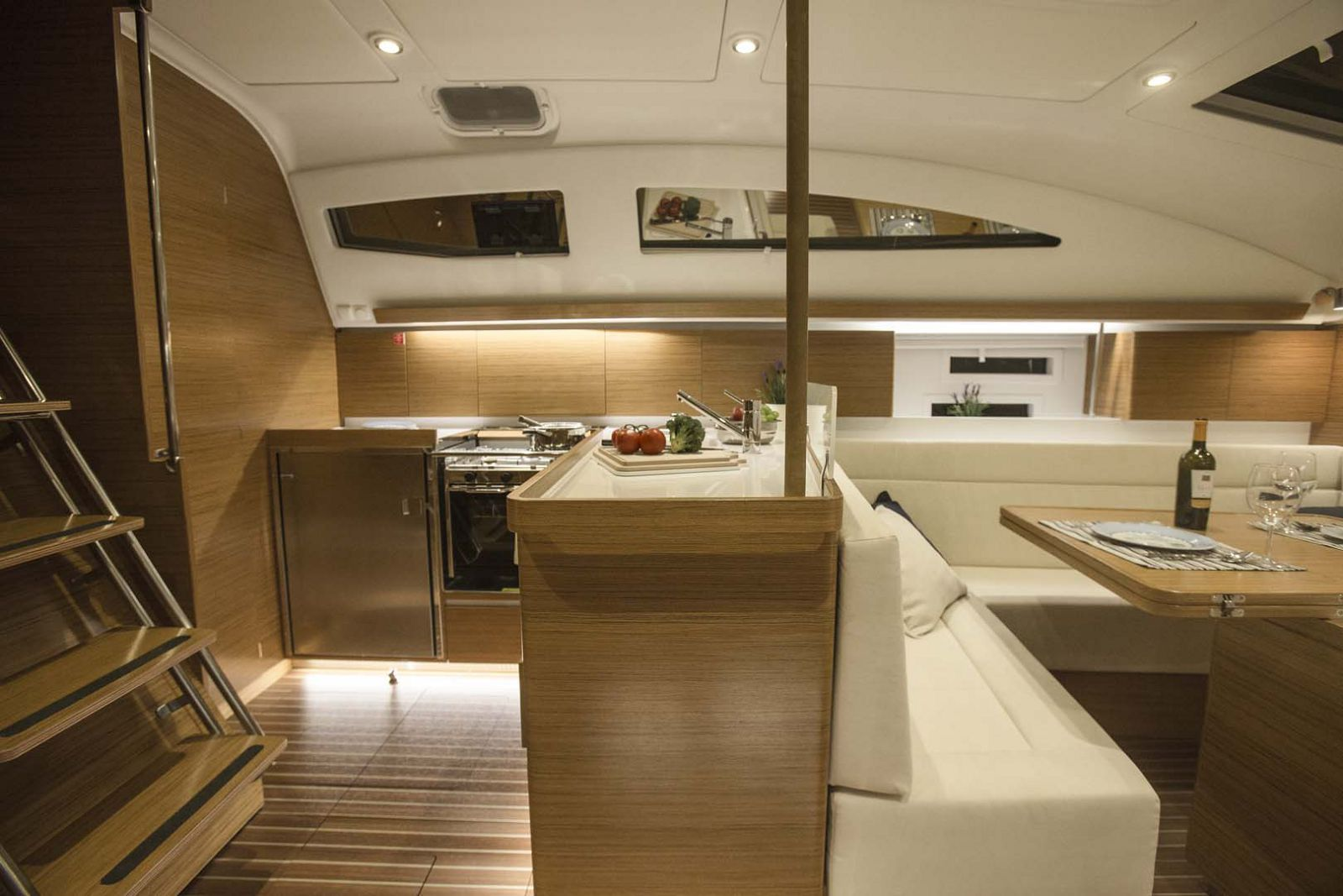 Elan-Yachts-Impression-45-Sailboat-Salon-2