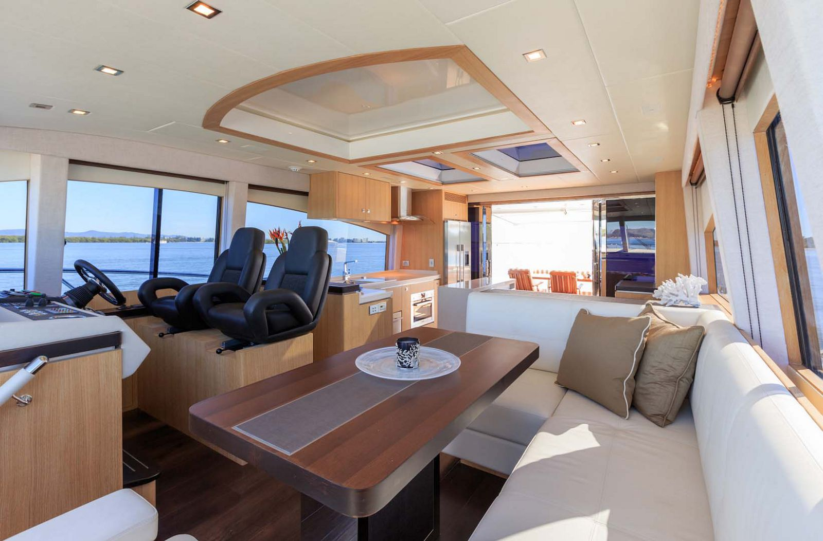 Whitehaven-6000-Coupe-Yacht-inside-helm