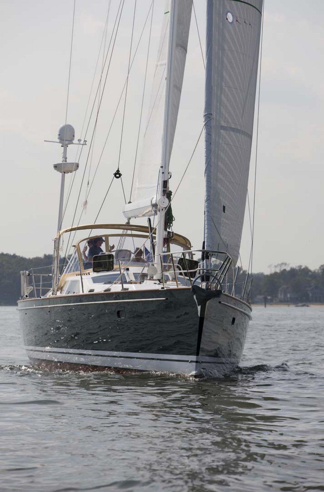 Tartan-Yachts-5300-Sailboat-Sailing
