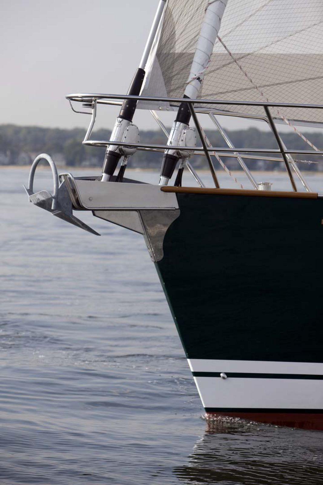 Tartan-Yachts-5300-Sailboat-4