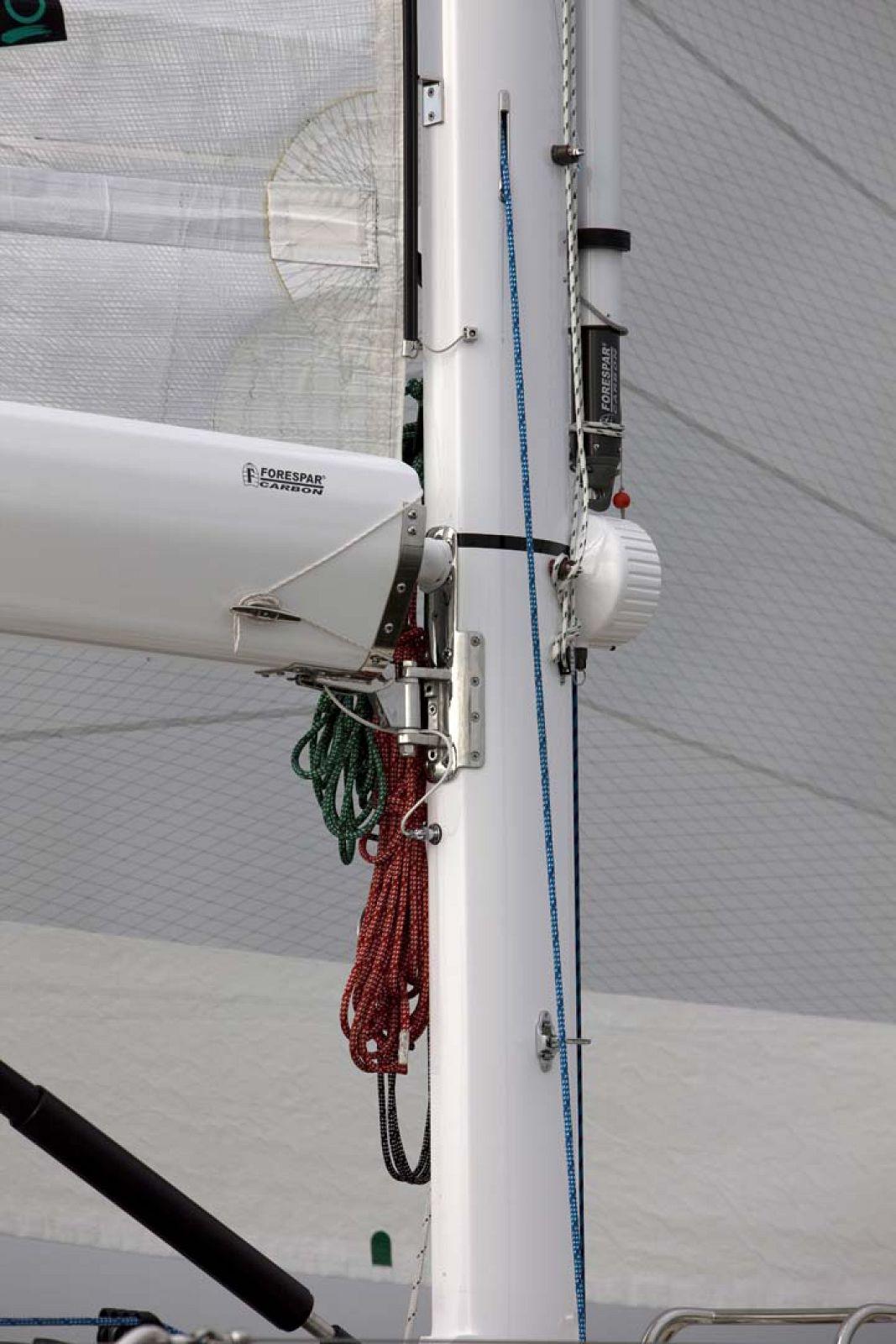 Tartan-Yachts-5300-Sailboat-details