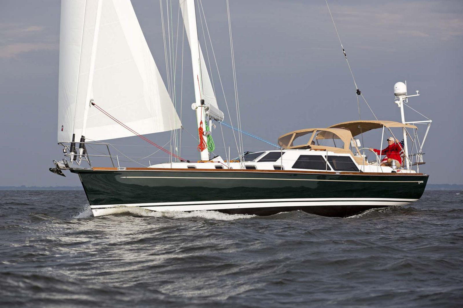 Tartan-Yachts-4700-Sailboat-Profile-2