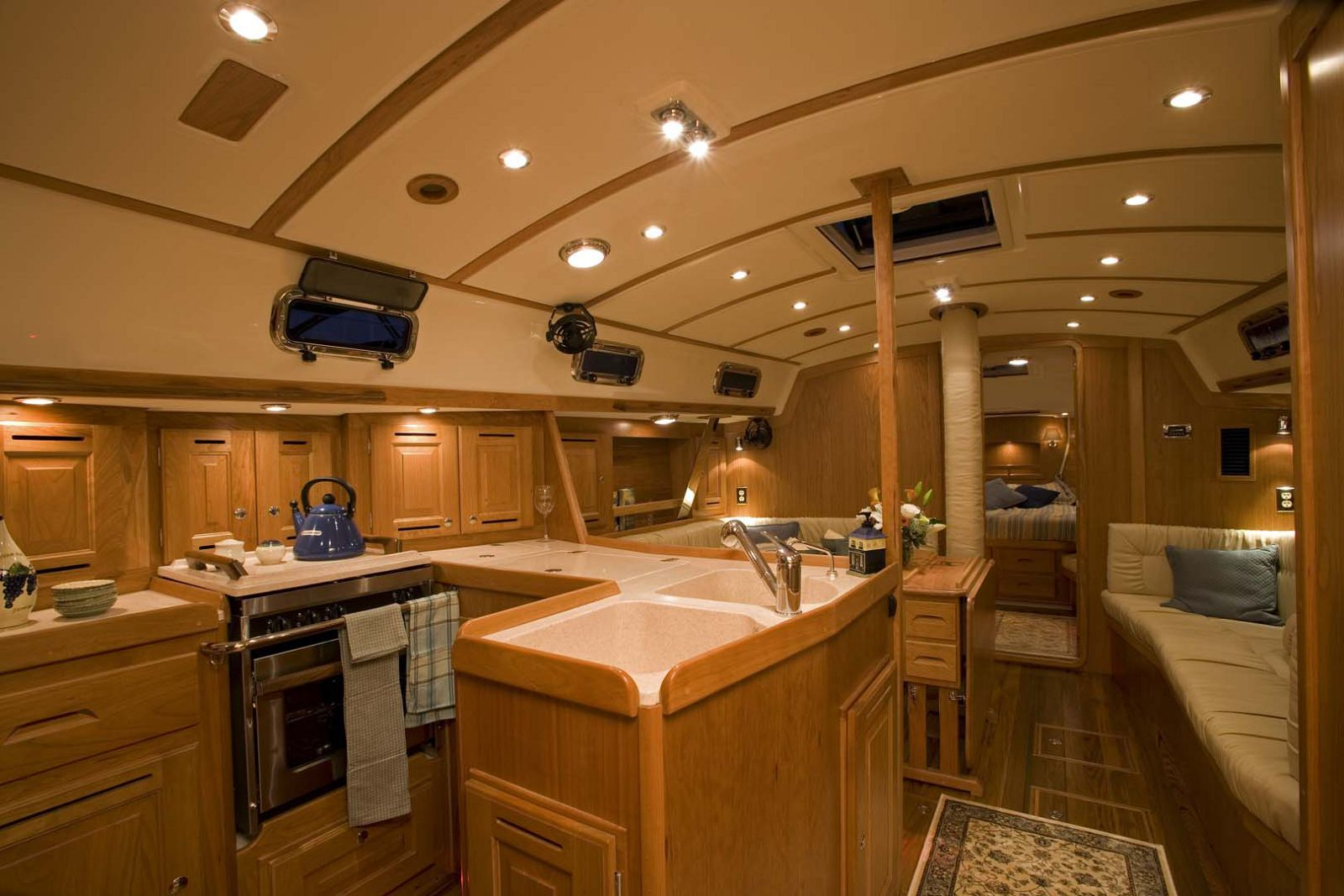 Tartan-Yachts-4300-Sailboat-interior-2