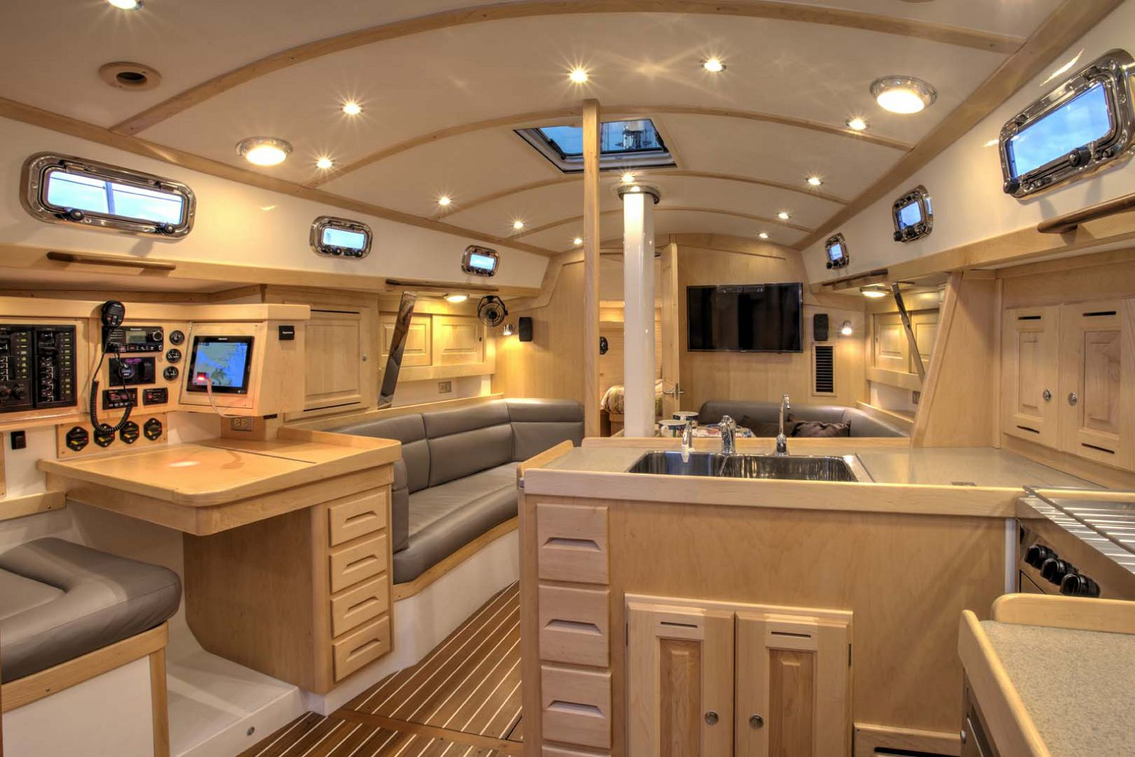 Tartan-Yachts-395-Sailboat-interior