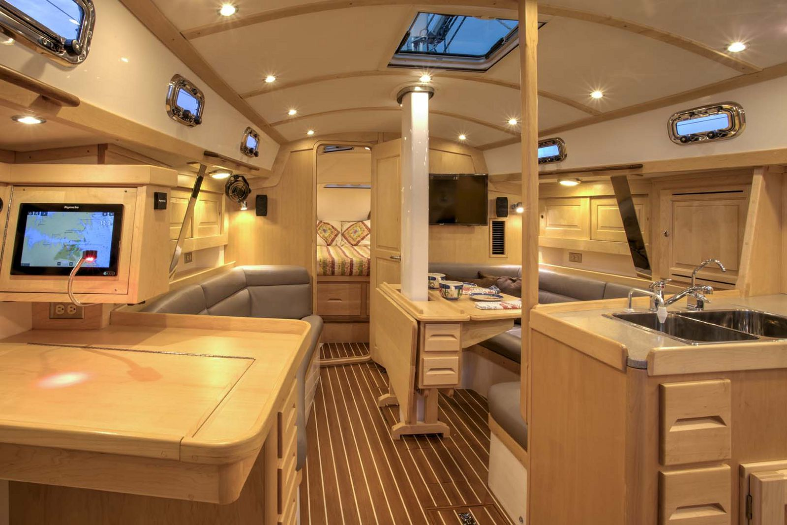 Tartan-Yachts-395-Sailboat-interior-4