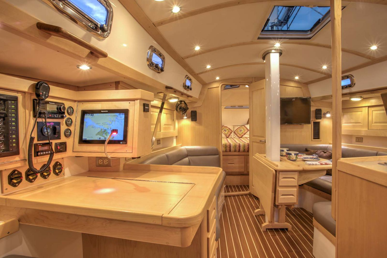 Tartan-Yachts-395-Sailboat-interior-3