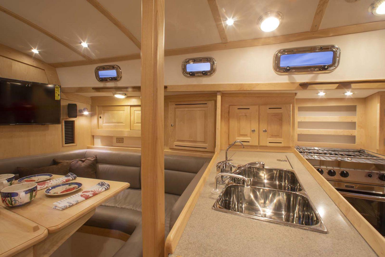 Tartan-Yachts-395-Sailboat-inside-6