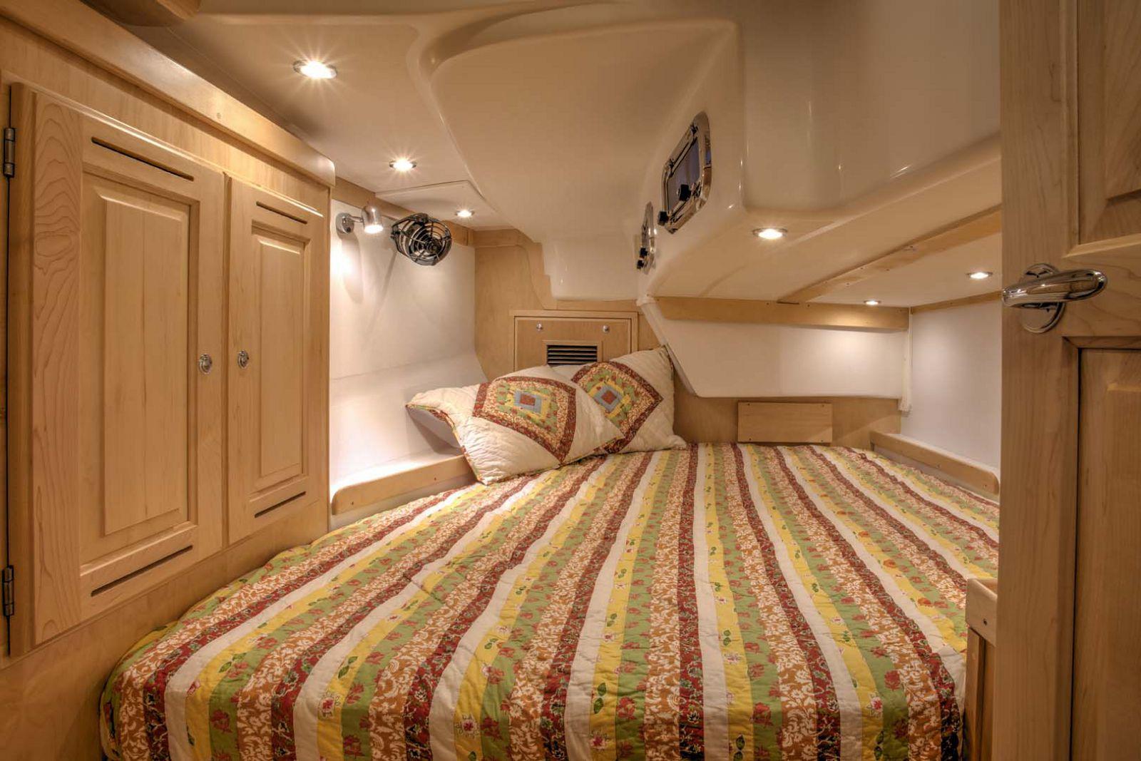 Tartan-Yachts-395-Sailboat-stateroom