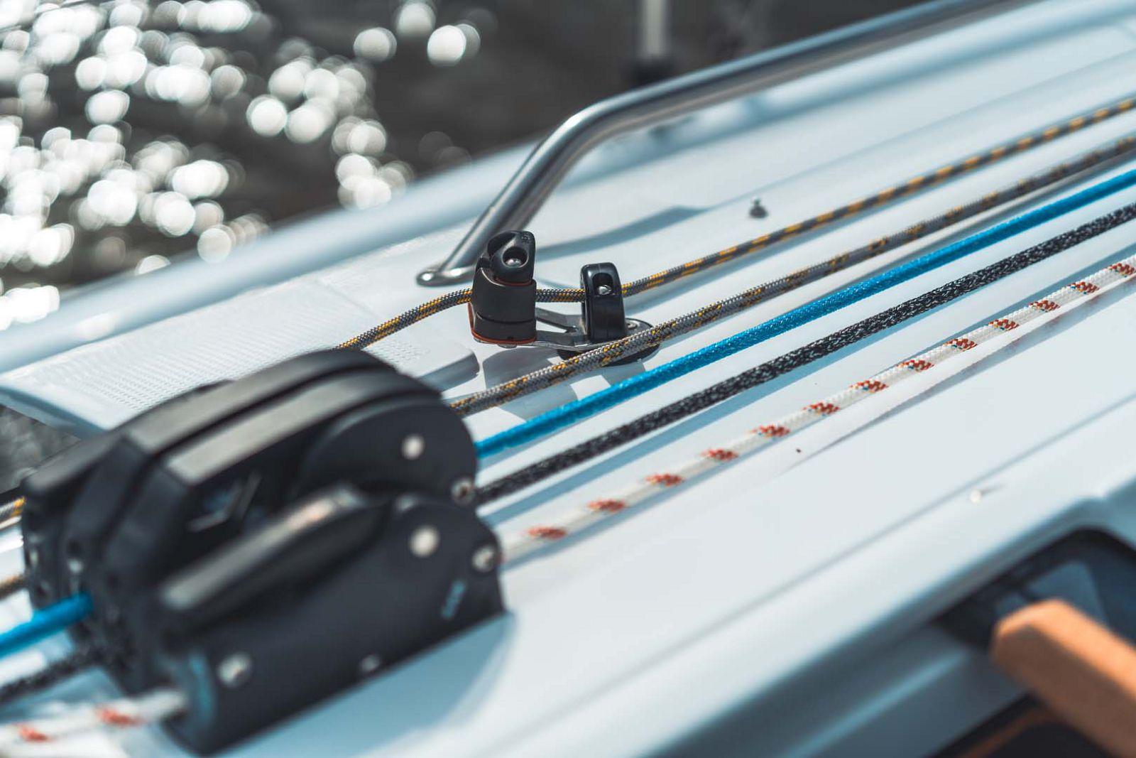 Elan-Yachts-E3-Sailboat-Ropes
