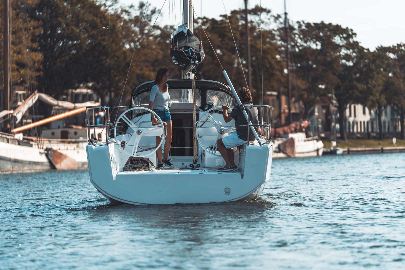 Elan-Yachts-E3-Sailboat-Transom