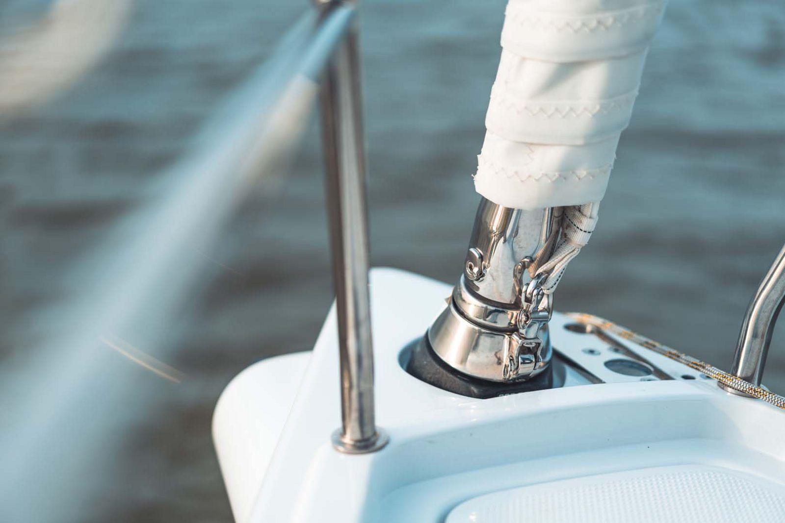 Elan-Yachts-E3-Sailboat-chrome