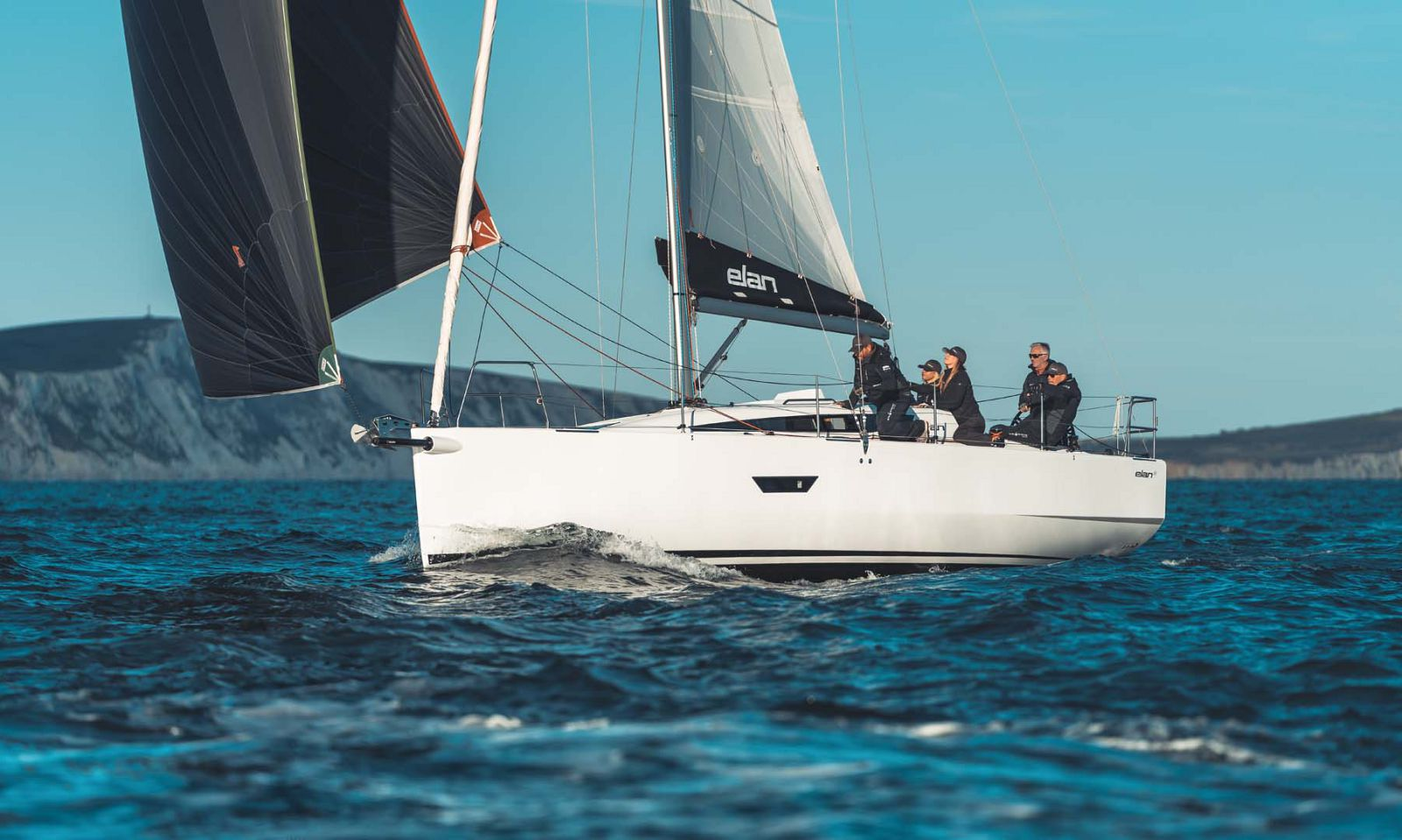 Elan-Yachts-E4-Sailboat-Main