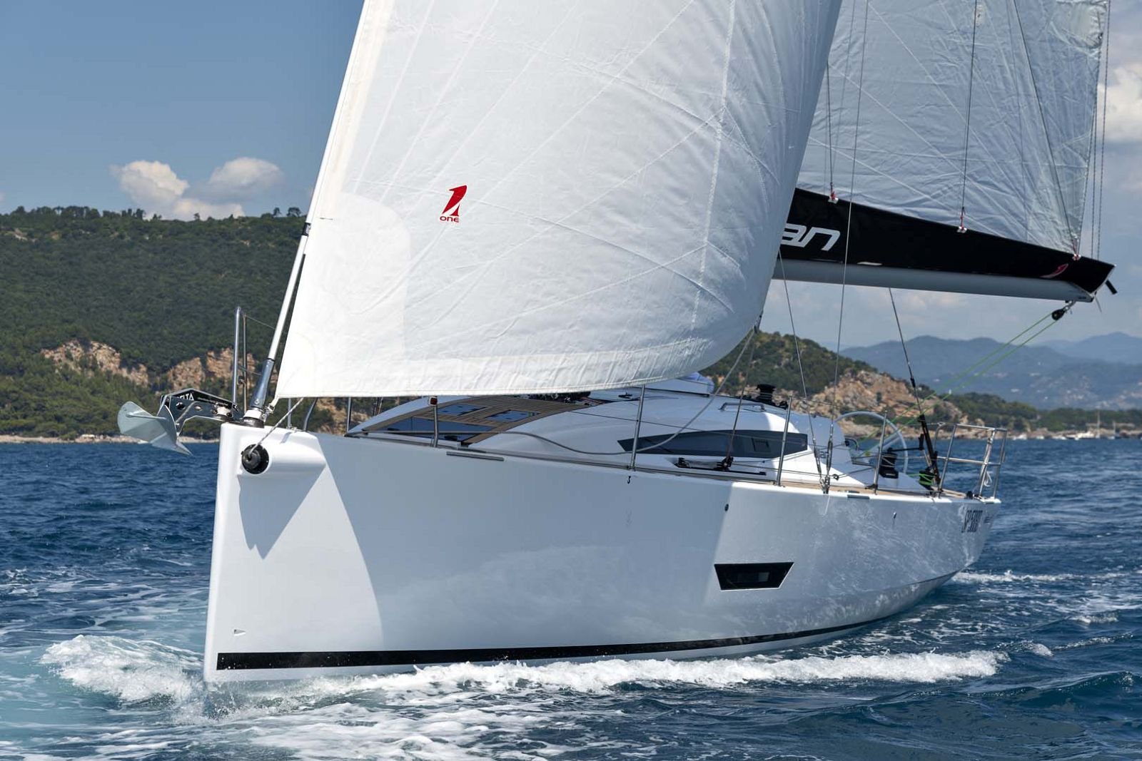 Elan-Yachts-E5-Sailboat-for-sale
