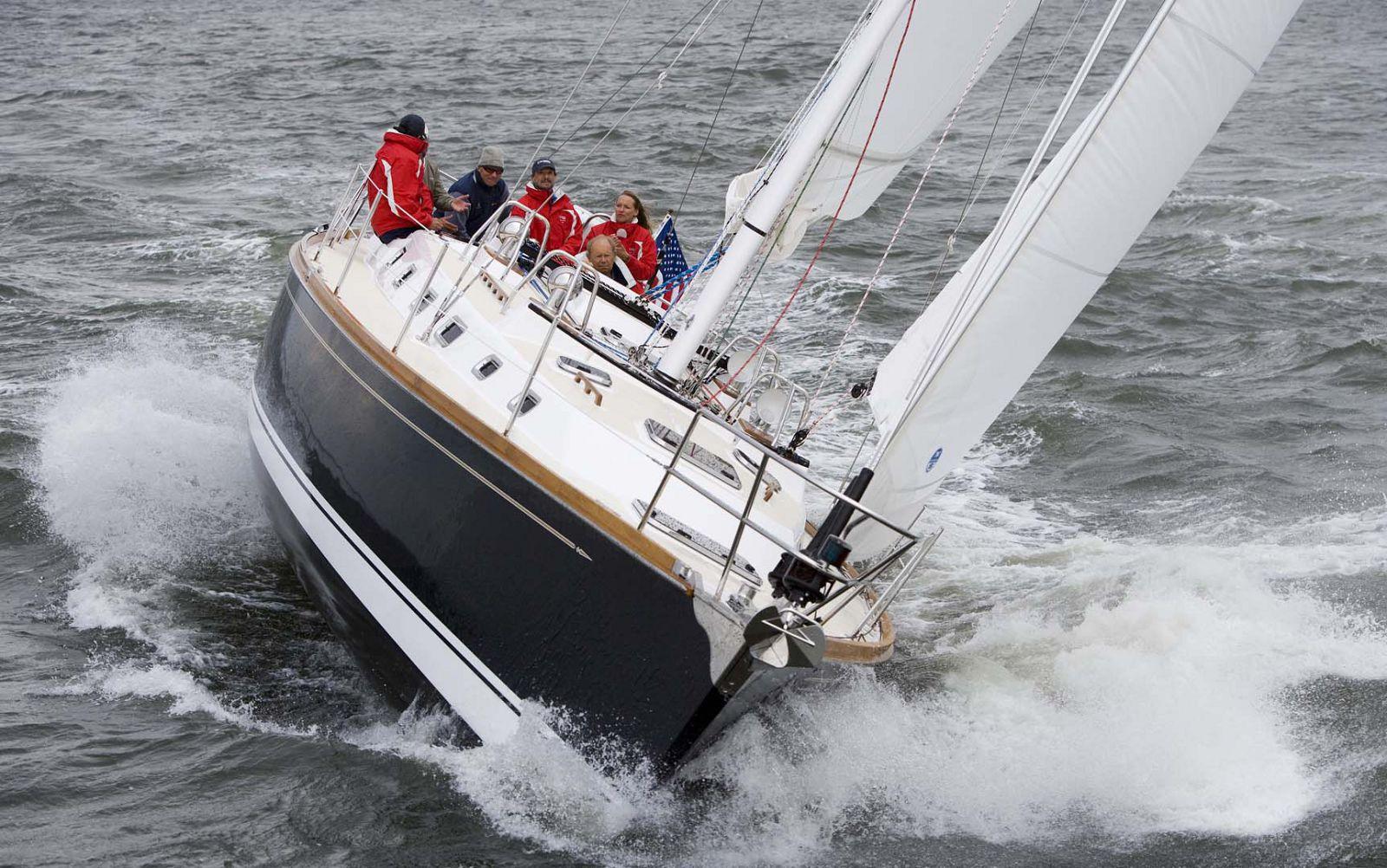 Tartan-Yachts-4300-Sailboat-Main