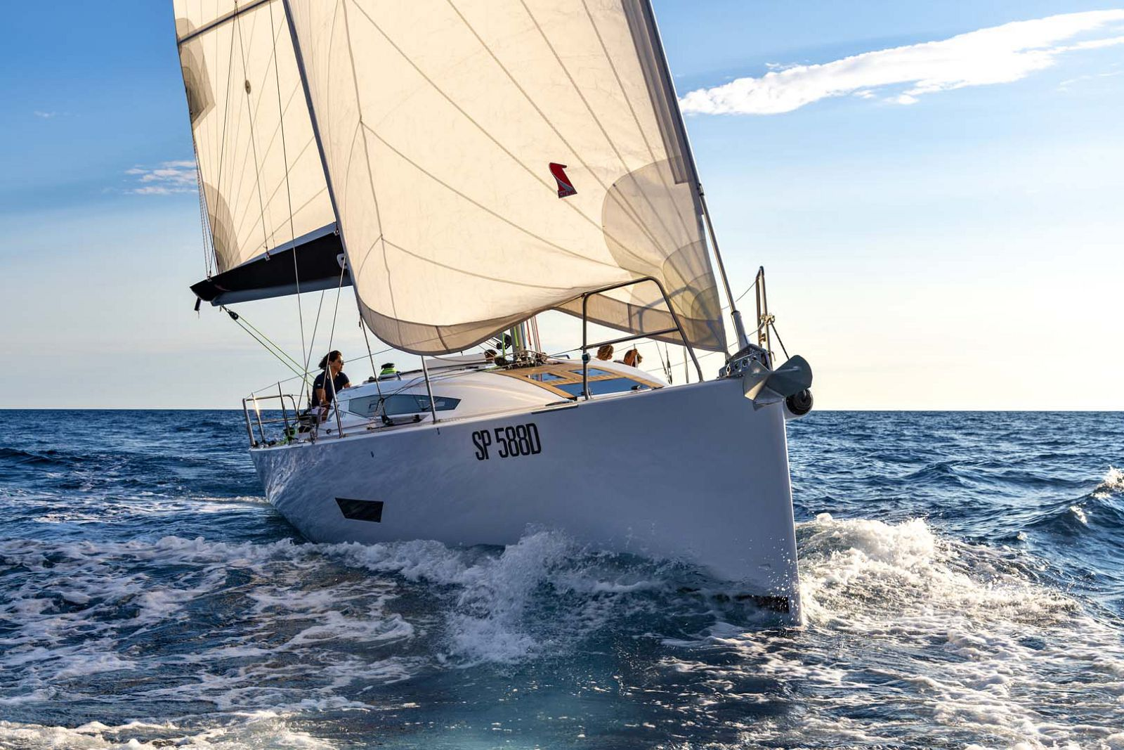 Elan-Yachts-E5-Sailboat-Bow