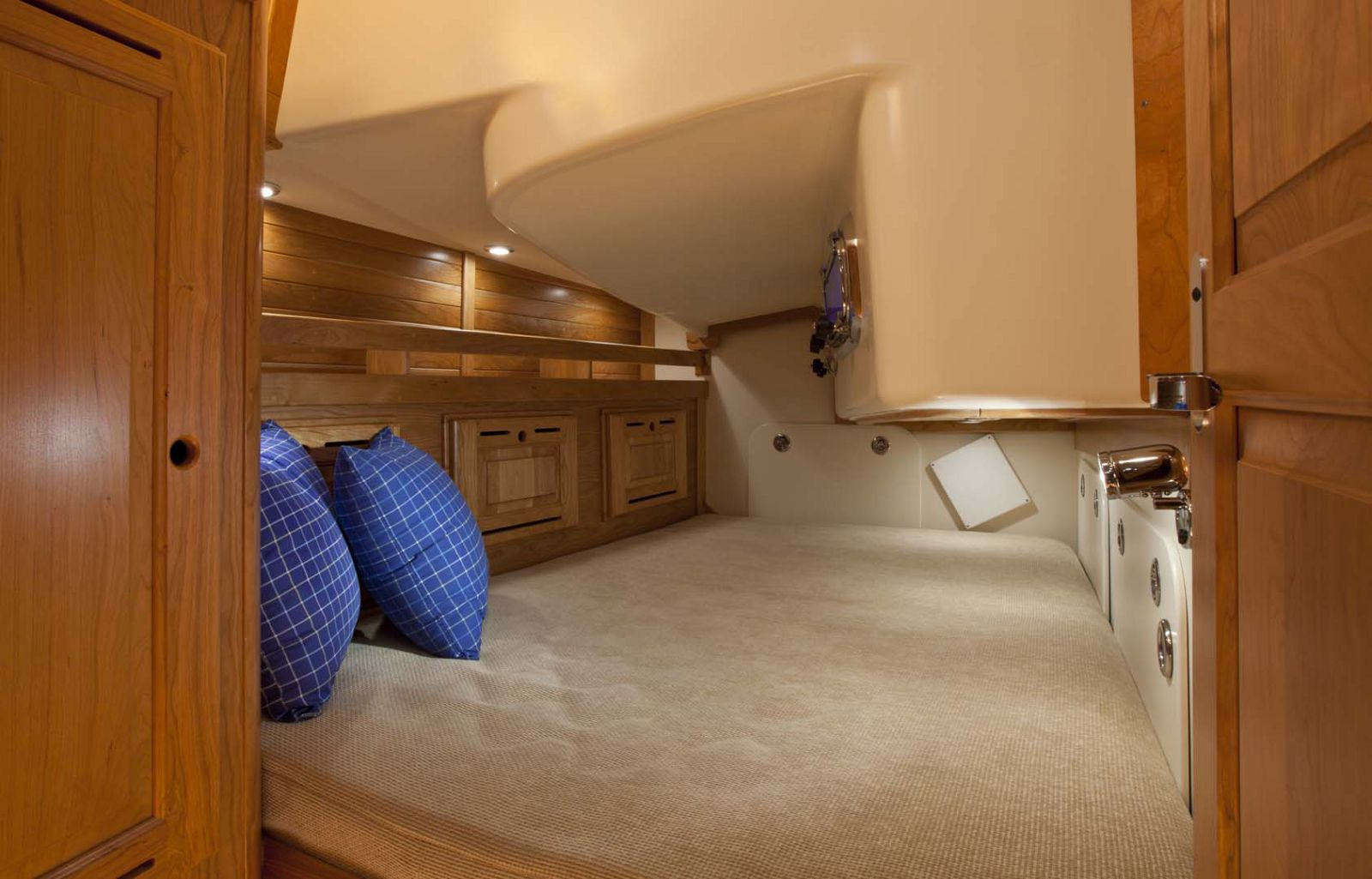 Tartan-Yachts-4000-Sailboat-stateroom-other