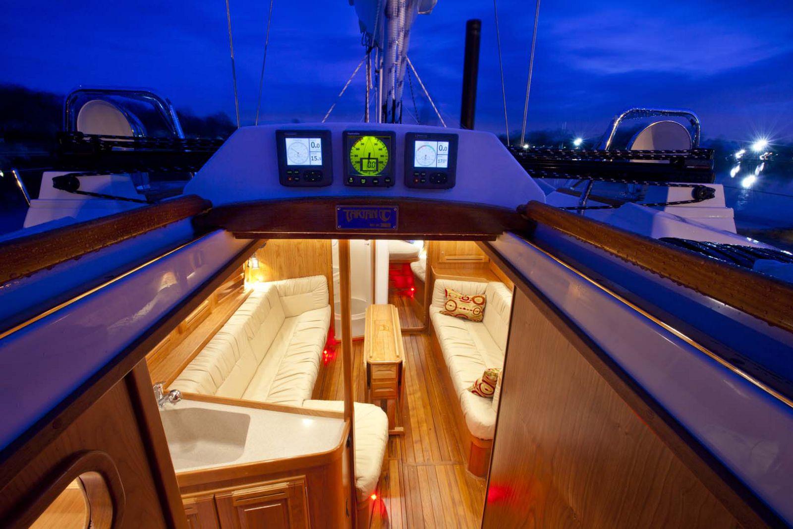 Tartan-Yachts-4000-Sailboat-7